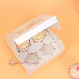 Hộp cupcake mở nắp 4 bánh màu trắng giá rẻ chỉ với 10.000 đ